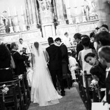 photographe mariage cérémonie Chamonix arrivée à l'autel