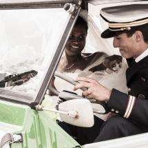 photographe mariage couple en voiture Chamonix