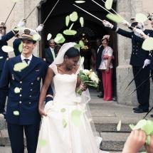 photographe mariage Chamonix sortie de l'église Audrey et Victor