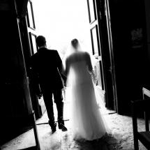 photographe mariage Beaujolais Gaelle et Thibault sortie de l'église