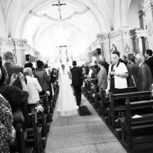 photographe mariage Lyon entrée église Gaelle et Thibault