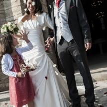 photographe mariage Lyon Anne-Sophie et Tony parvis de l'église