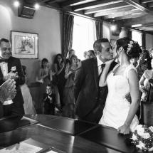 photographe mariage le baiser Thiez mairie