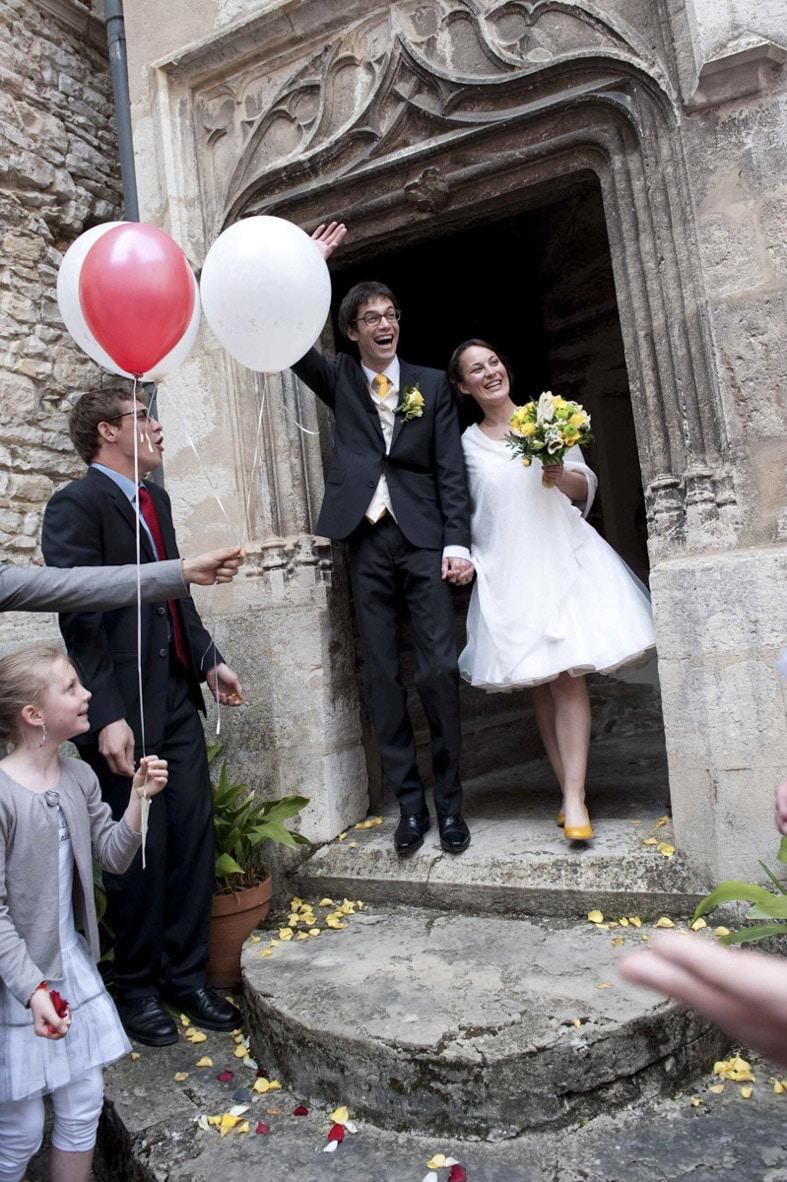 photographe mariage sortie de cérémonie