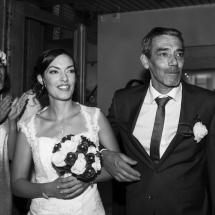 photographe mariage Thiez entrée de la mariée et son père